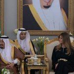 بالصور.. نظرة مترجم الملك لزوجة ترامب