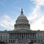 سيناتور أمريكي: تعليق صفقات الأسلحة للخليج لحين حل أزمة قطر