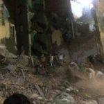 شاهد .. لحظة انهيار عقار من 5 طوابق في سوهاج