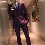 نيمار بـ«البدلة الحمراء» في حفل الأفضل في العالم