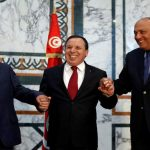 وزيرا خارجية تونس والجزائر يغادران القاهرة