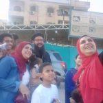 راعي كنيسة العبور يوزع الهدايا على الأطفال بمناسبة العيد