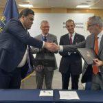 وزير الاتصالات من دبى: اتفاقية لإنشاء بنية تحتية لخدمات إنترنت الأشياء.. صور